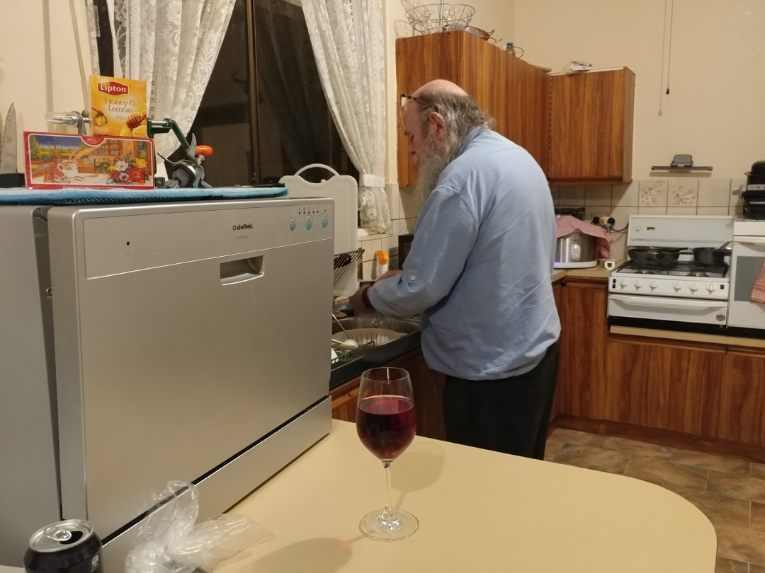 06Aug17 Rod helping me make dinner by peeling the prawnhellip